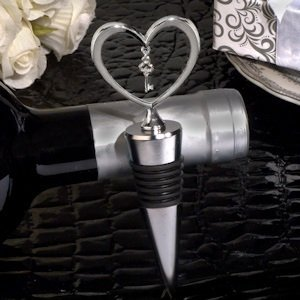 Key to my Heart Dangling Charm Wine Stopper image