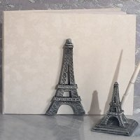 Stunning Eiffel Tower Wedding Accessory Set