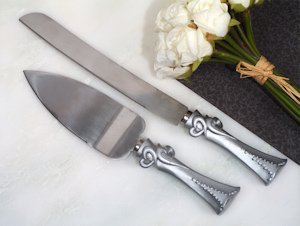 Two Hearts Beat as One Cake and Knife Server Set image