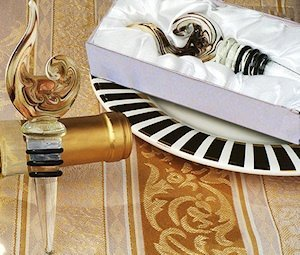 Art Deco Stylish Swirl Wine Stopper image