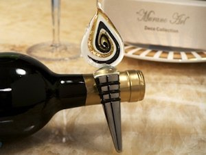 Art Deco Gold Teardrop Design Wine Stopper Favor image
