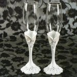 Elegant Lace Toasting Glasses Set