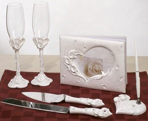 Crystal Calla Lily Accessory Set image