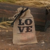 LOVE Burlap Bags for Wedding Favors (Set of 25)