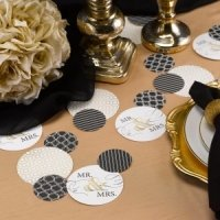 Golden Elegance Mr. & Mrs. Table Decorations (32 Pieces)