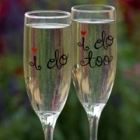 'I Do' Wedding Toasting Flutes