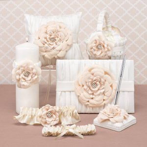 Love Blooms Accessory Set image