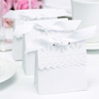 White Scalloped Edge Favor Boxes (Set of 25)