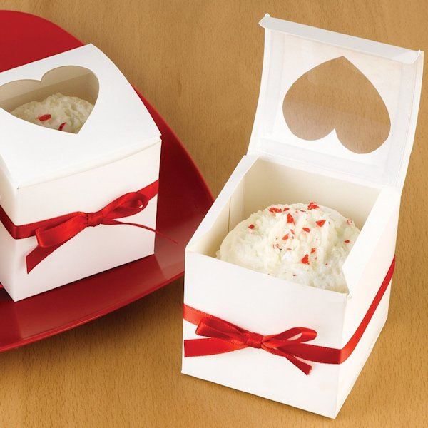 wedding cupcake favor boxes heart windows set of 24. Black Bedroom Furniture Sets. Home Design Ideas