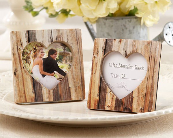 Rustic Romance\' Wood Heart Place Card Holder & Photo Frame