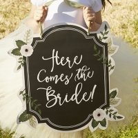 Romantic Garden Here Comes the Bride Sign