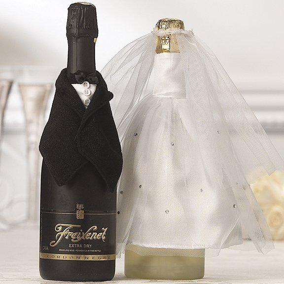 Average Price Of Wedding Gift: Bride & Groom Design Wine Bottle Covers
