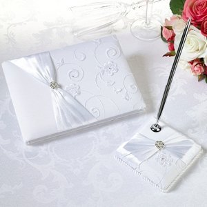 White Lace Collection Wedding Guestbook & Pen Set image