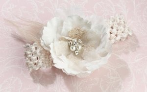 Burlap and Lace Garter image