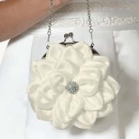 Flower Purse - White