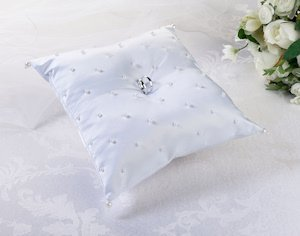 Scattered Pearls White Ring Pillow image
