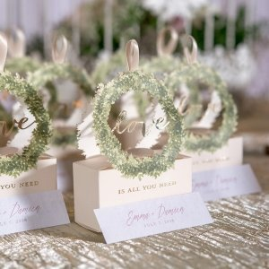 Love Wreath Favor Box (Set of 10) image