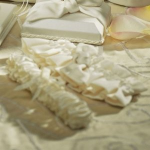 Beverly Clark Tie the Knot Collection Garter Set image