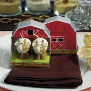 Mini Country Cow Candle Favors in Barn Gift Box image
