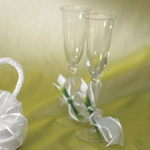 Bridal Beauty Calla Lily Toasting Glases Set image