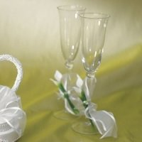 Bridal Beauty Calla Lily Toasting Glases Set