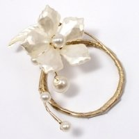Pearl & Vintage Gold Floral Mini Ring (Set of 8)