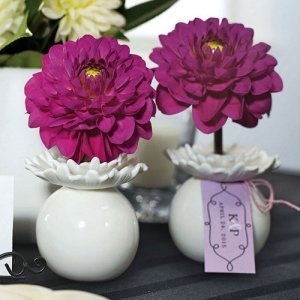 'Pretty Petals' Mini Flower Wedding Favor Vases (Set of 4) image