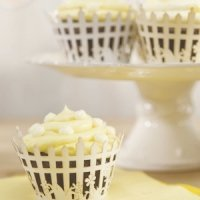 Picket Fence Filigree Paper Cupcake Wrappers (Set of 12)