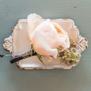 Antique White Miniature Metal Ring Tray image